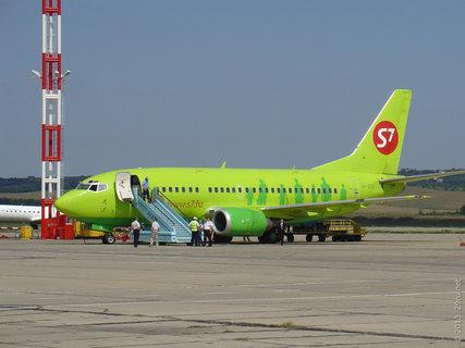 Boeing 737-500 (бортовой № VP-BTE) авиакомпании S7 в аэропорту Анапы