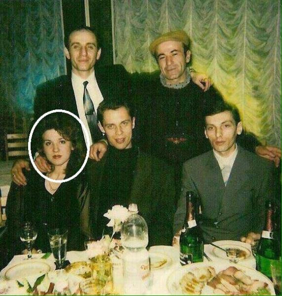 «Судья Хахалева» на фото с авторитетами умерла в 90-е