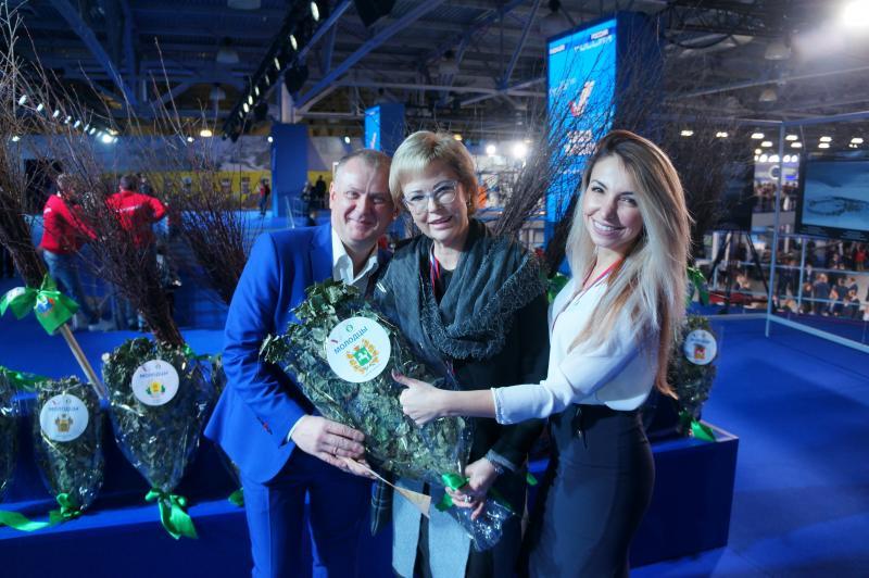 ОНФ вручит экологически чистый банный веник губернатору Томской области Сергею Жвачкину как руководителю одного из самых «чистых» регионов